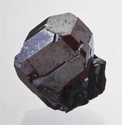 Cristal complejo de Cuprita