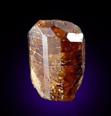 Brillante Cristal de Dravita