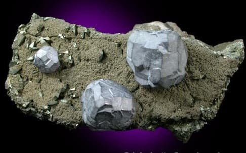Complejos cristales de galena en matriz