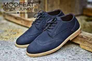 moofeat-junot-black