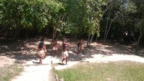 Índias da tribo Tesana Tucano, Amazonas, 2014, por LP