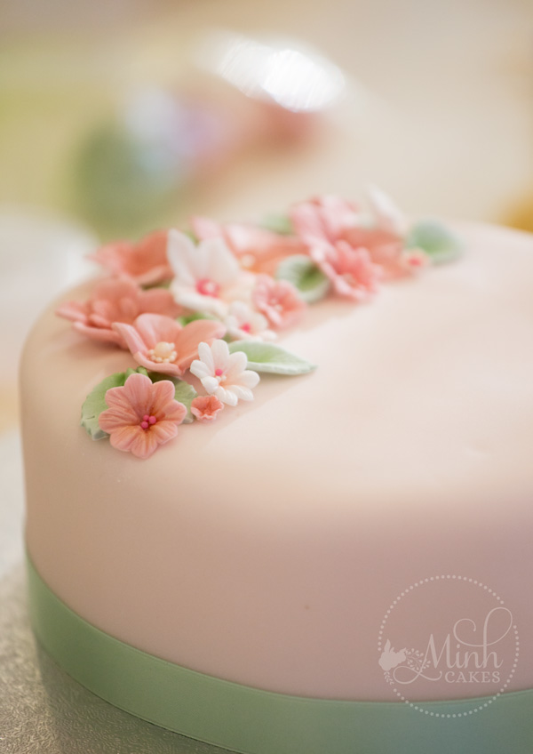 Basic cake class  perfect beginner cake course    Minh Cakes Zurich Basic cake decorating class
