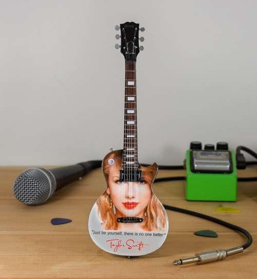 Taylor Swift - Gibson Les Paul Tribute