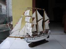 miniatur kapal laut dewaruci