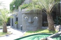 Incan influences on an Atlantean theme