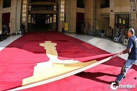 a96998_a615_9-red-carpet