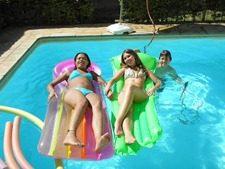 re e eu na piscina