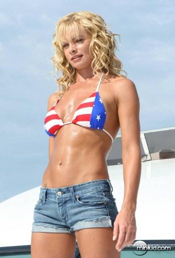 jaime_pressly_hot_girl_patriot_1_0
