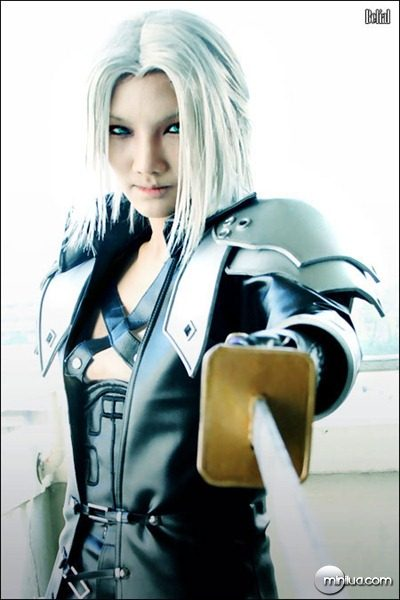 CRISIS_CORE_Sephiroth_Cosplay_by_BeBelial