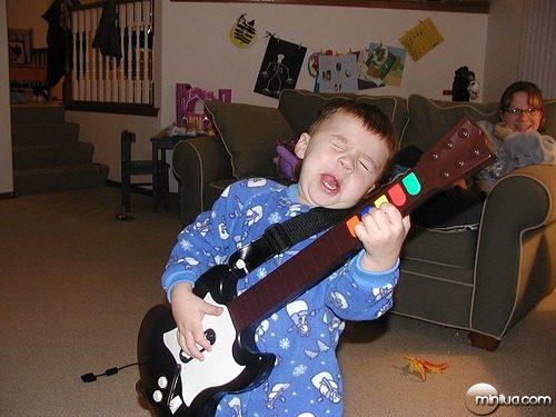 51_3130-mini-guitar-hero1