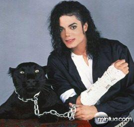 michael-jackson-black-or-white-black-shirt-2
