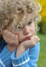 criança pensando 2