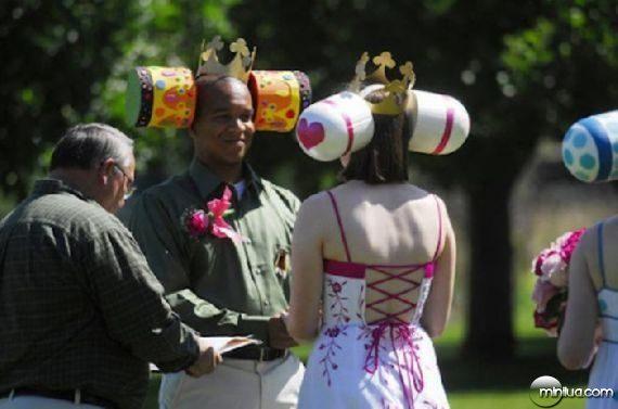 really-strange-weddings04