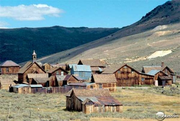 bodie-town1
