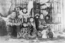 inuitfamily_sm