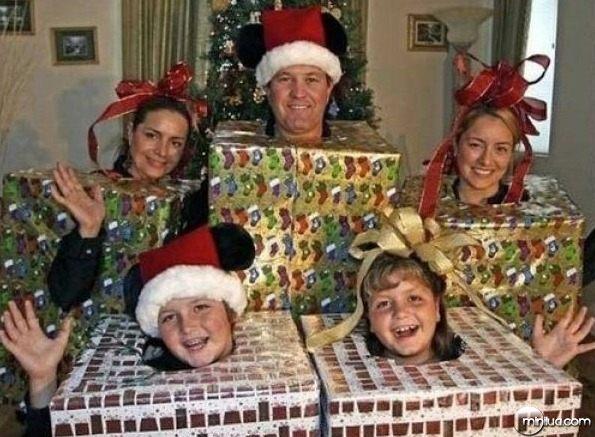 weird_christmas_photos_640_01