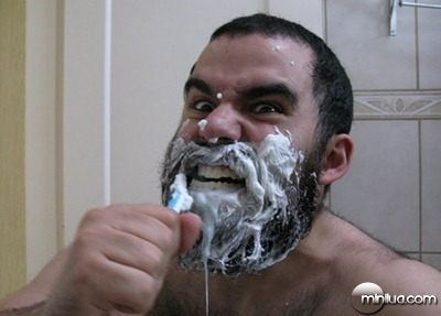 espartano_escovando_dentes_2