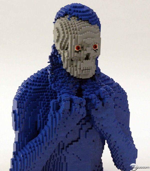 22-Esculturas-Incriveis-de-Lego17