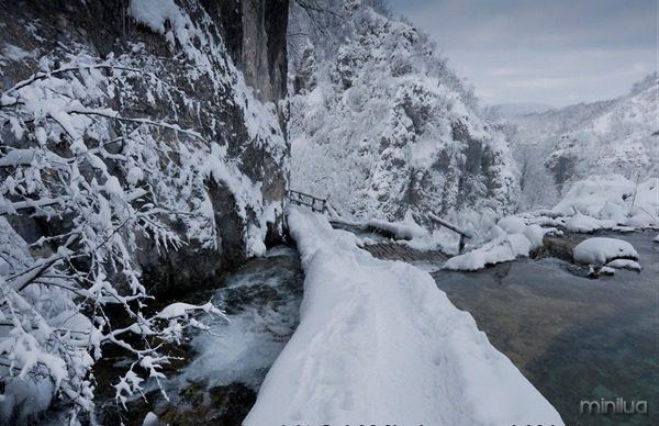 HRpj-0664-plitvicka-jezera-hiking-croatia