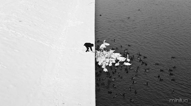 Winter-in-Krak-w-photographed-by-Marcin-Ryczek