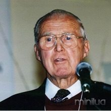 tn_620_600_norman_borlaug_nobel_130909_thumb.jpg