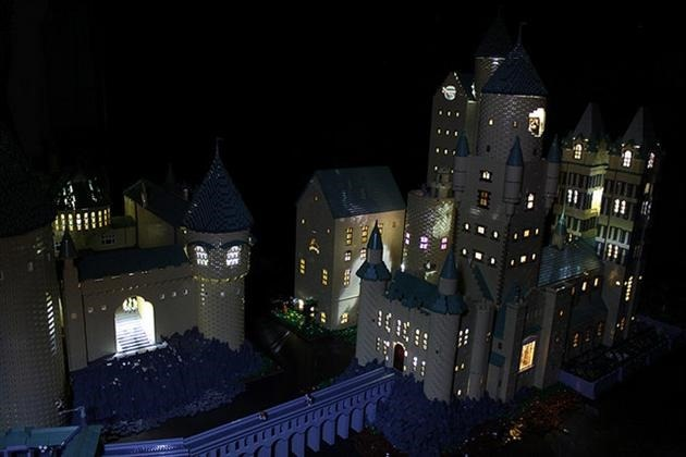 LEGO-Harry-Potter-Hogwarts-School-of-Witchcraft-and-Wizardry-10