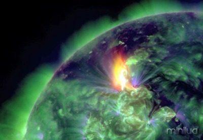 SPACE-SUN-SOLAR FLARE