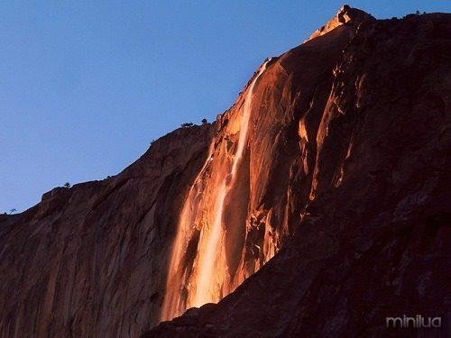 3.-natural-phenomenon-«Firefall»