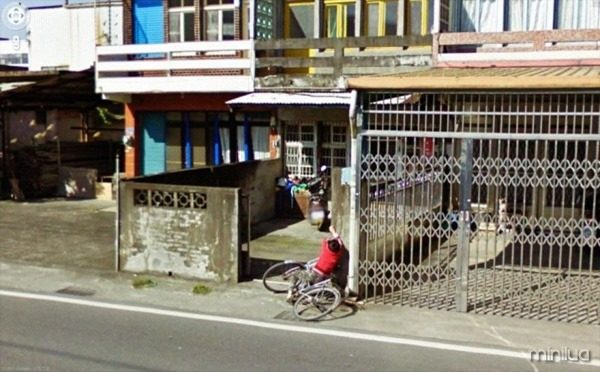 funny-google-street-view-photos-27-600x373