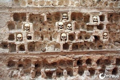 The-Skull-Tower,-Nis