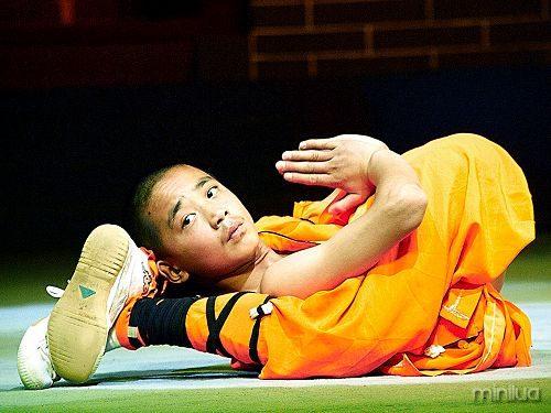 shaolin-monks-2