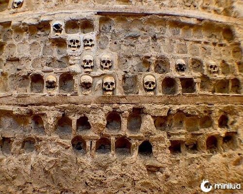 skull-tower