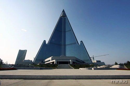ryugyong-hotel-interior-1