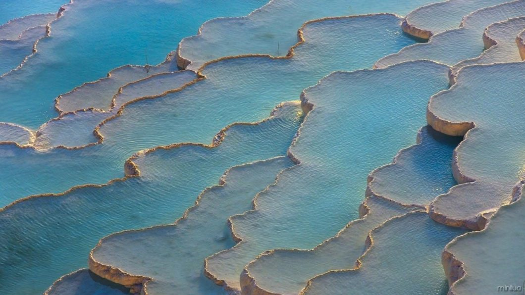Travertine_terraces_Pamukkale_Turkey