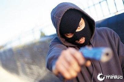 violencia_revolver