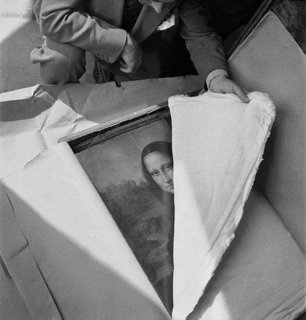 La Mona Lisa llegando al Louvre luego de la II Guerra Mundial.