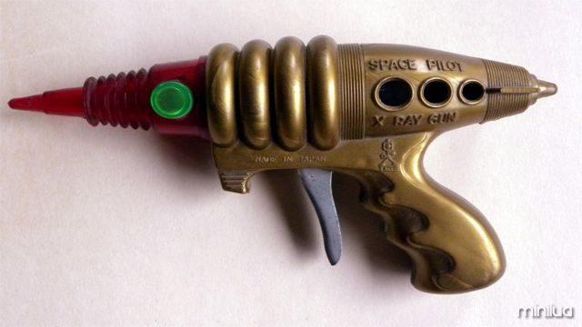 http://commons.wikimedia.org/wiki/File:Space_Pilot_X_Ray_Gun_made_by_Taiyo.jpg