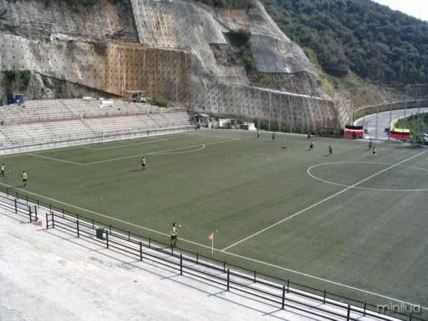 unusual-soccer-fields (10)