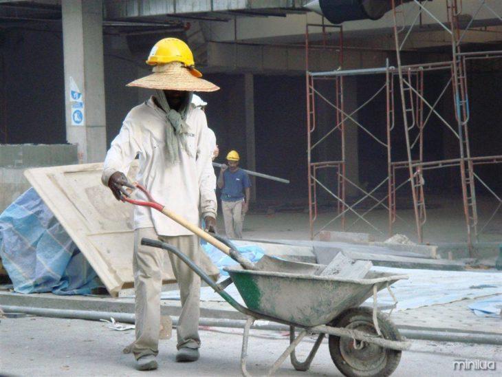 trabalhador sem medidas de segurança