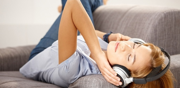 ouvir-musica-e-uma-atividade-relaxante-1370271524293_615x300