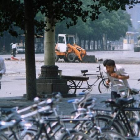 a98857_historical-photos-pt3-tank-man-tiananmen-square
