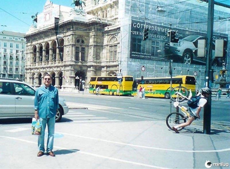 Perfeito-timing-bike-crash