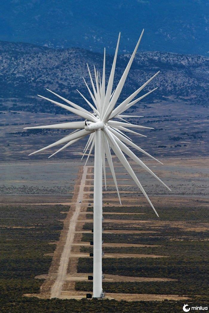 14 turbinas eólicas alinhadas, Nevada