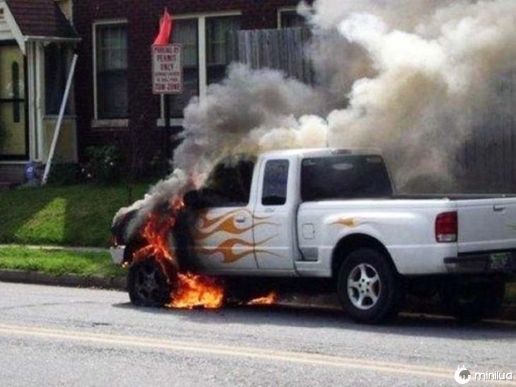 em chamas, literalmente