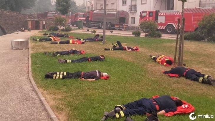 Bombeiros descansando em Portugal