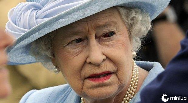 Rainha Elizabeth II reptiliana