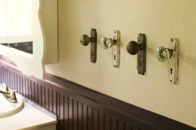 usa os antigos botões e toalheiros