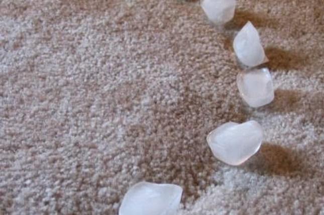 gelo para limpar as manchas em seu tapete
