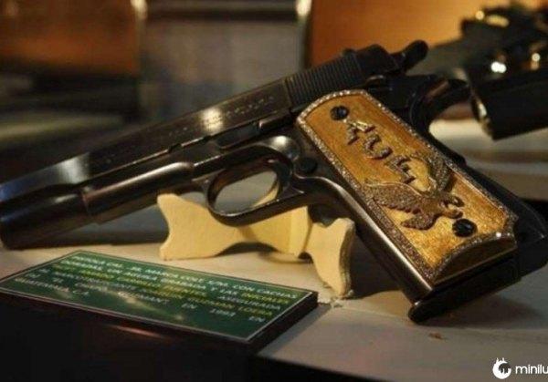 Arma pertencente a Joaquin El Chapo Guzman apreendidos em 1993