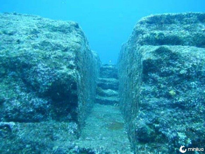 Ruinas-Submersas-Japao